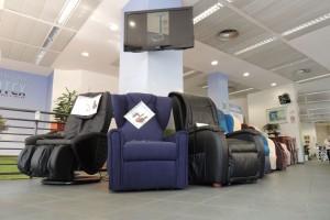 Esposizione-poltrone-relax-nella-rinnovata-e-ampliata-sede-di-Corso-Vercelli-a-Torino-02