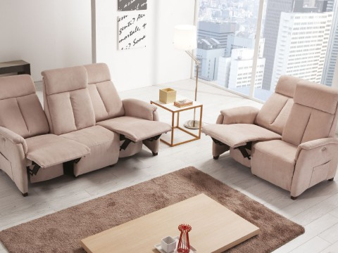 divani due tre posti poltrone relax piccole aperti