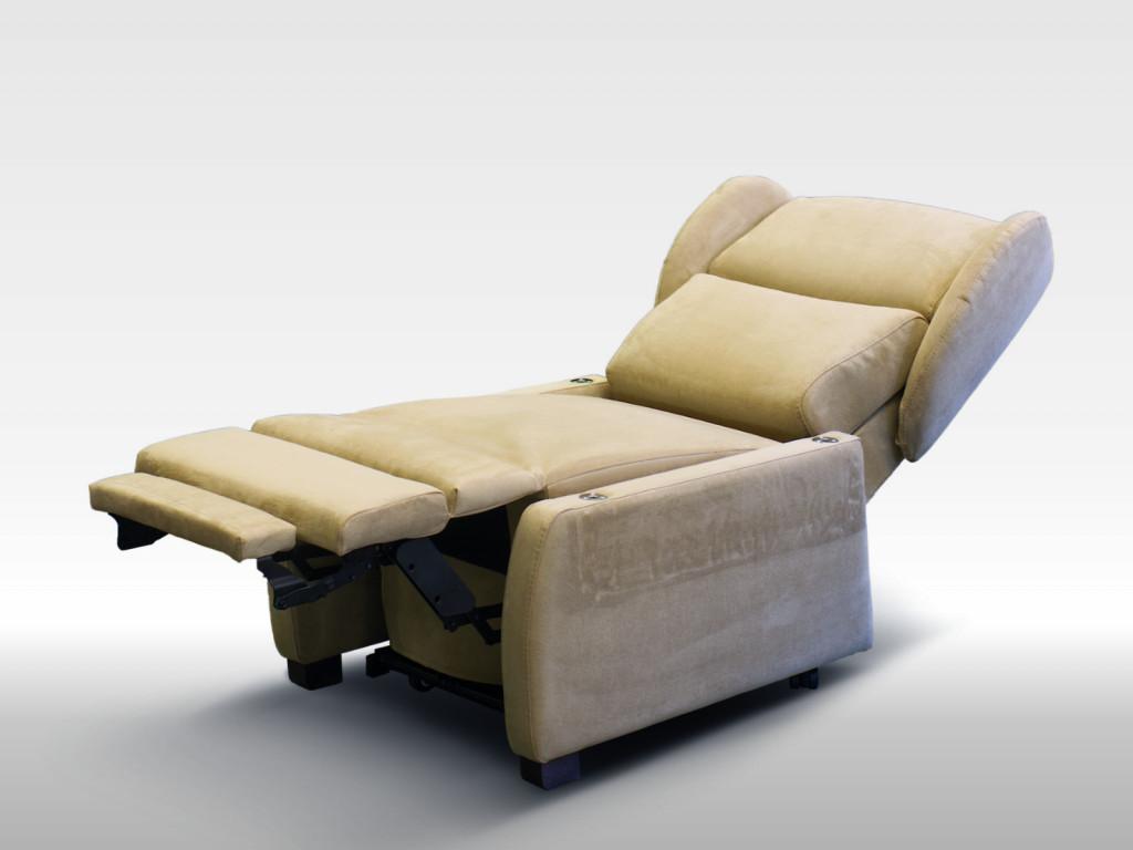 poltrona per anziani comoda senza braccioli estraibili