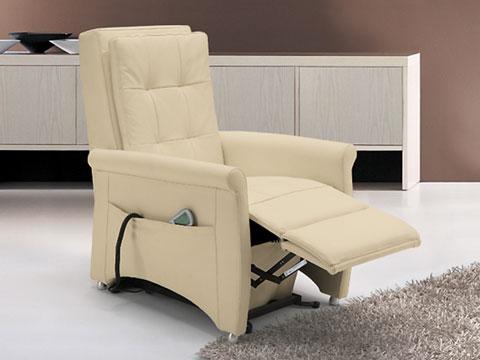 poltrona relax massaggiante shiatsu bianca con pediera alzata