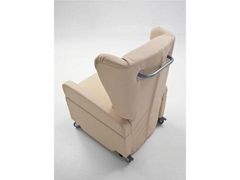 maniglia posteriore poltrona con ruote per disabili gilda
