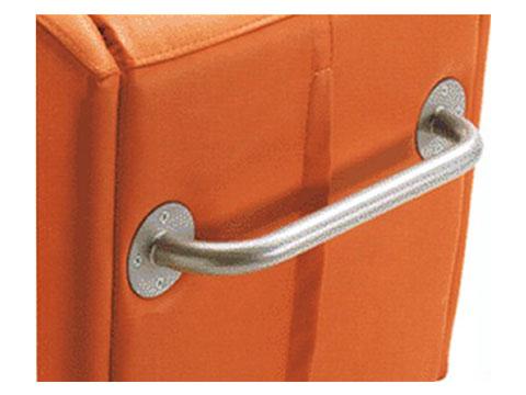 dettagli maniglione posteriore per trasporto disabili