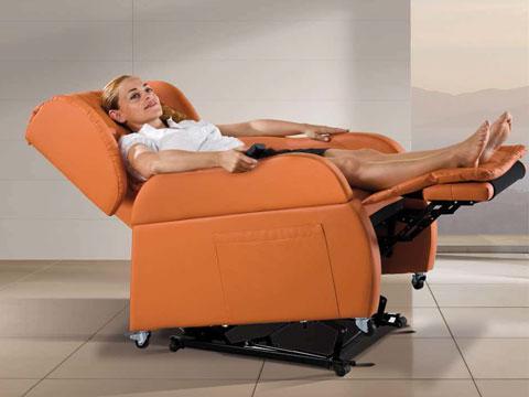 poltrona disabili Opera in posizione distesa di massimo relax
