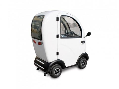 scooter cabinato per anziani e disabili