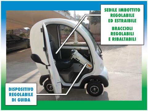 scooter cabinato per anziani e disabili interno con sedile braccioli dispositivo guida regolabili